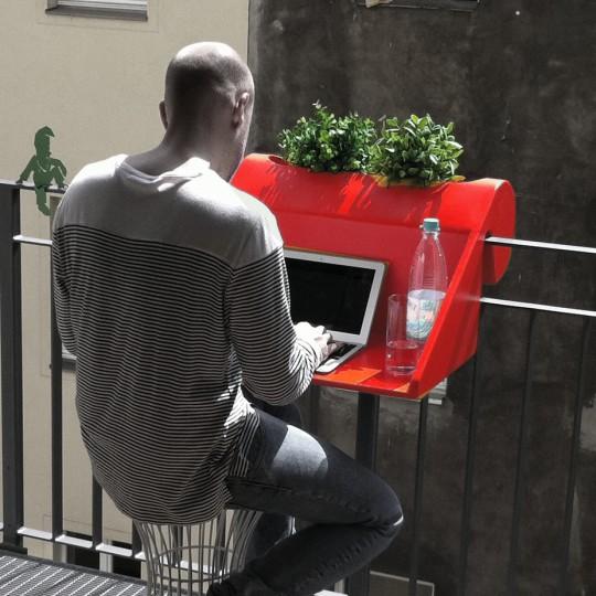 Bureau-à-accrocher-sur-le-balcon-Balkonzept
