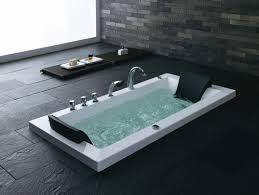 bien connaitre les diff rents types de baignoire meubles. Black Bedroom Furniture Sets. Home Design Ideas