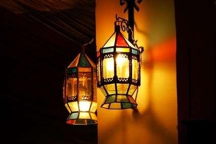 lampe colorée a suspendre